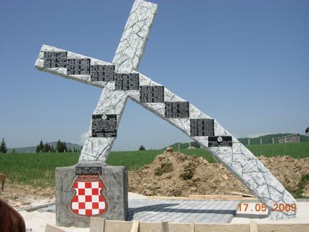 R-spomenik1