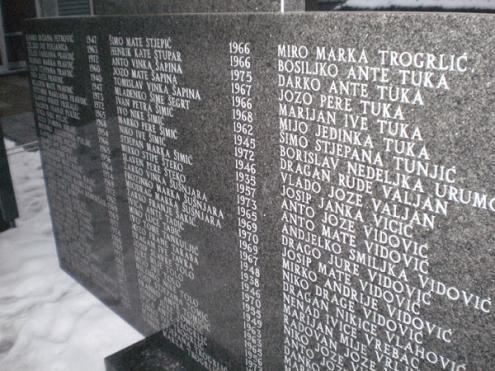 Spomen ploča poginulim braniteljima u Kiseljaku