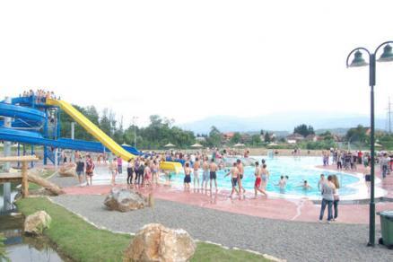 Vijesti - Gospodarstvo - Grade se dva olimpijska bazena u vodenom parku u sre...